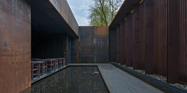 The caf bras at the mus e soulages bras restaurant - Musee soulages rodez horaires ...